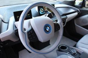 wnętrze samochodu elektrycznego BMW i3
