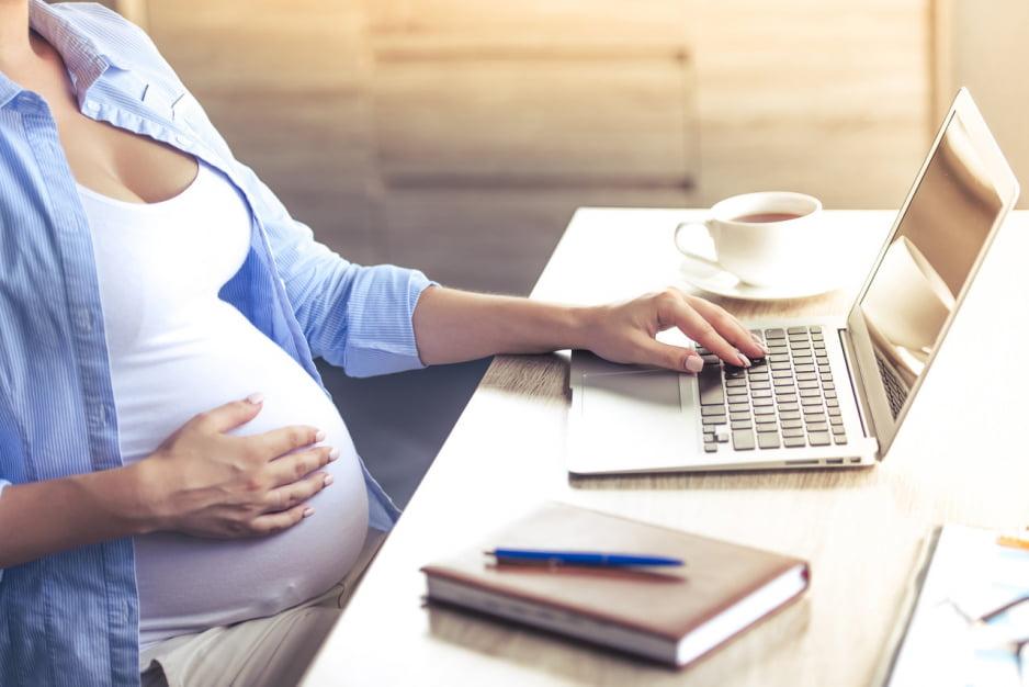 Pracownica w ciąży. Podstawowe prawa i przywileje, o których powinieneś wiedzieć