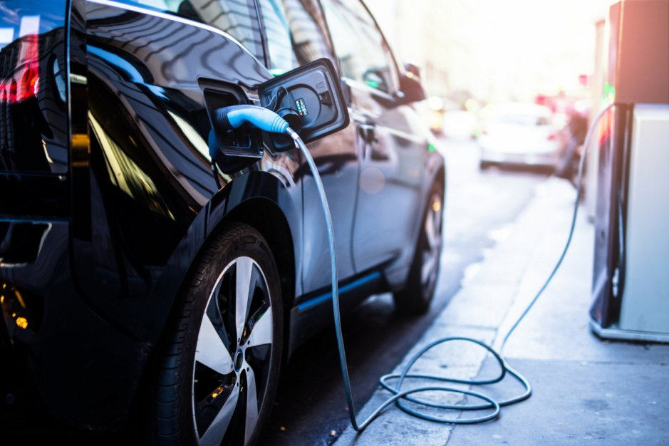 Samochody elektryczne – kompendium wiedzy