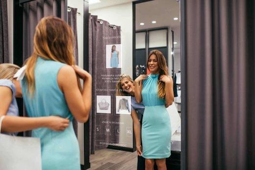 Odbicie w lustrze – czy da się na tym zrobić biznes?