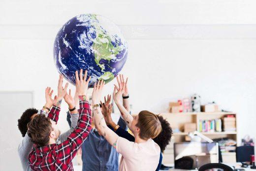 CSR, czyli społeczna odpowiedzialność biznesu – jak to się robi w dużej firmie?