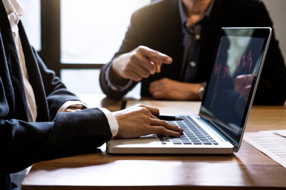 Jak dostać dofinansowanie dla firm i jakie są możliwości?