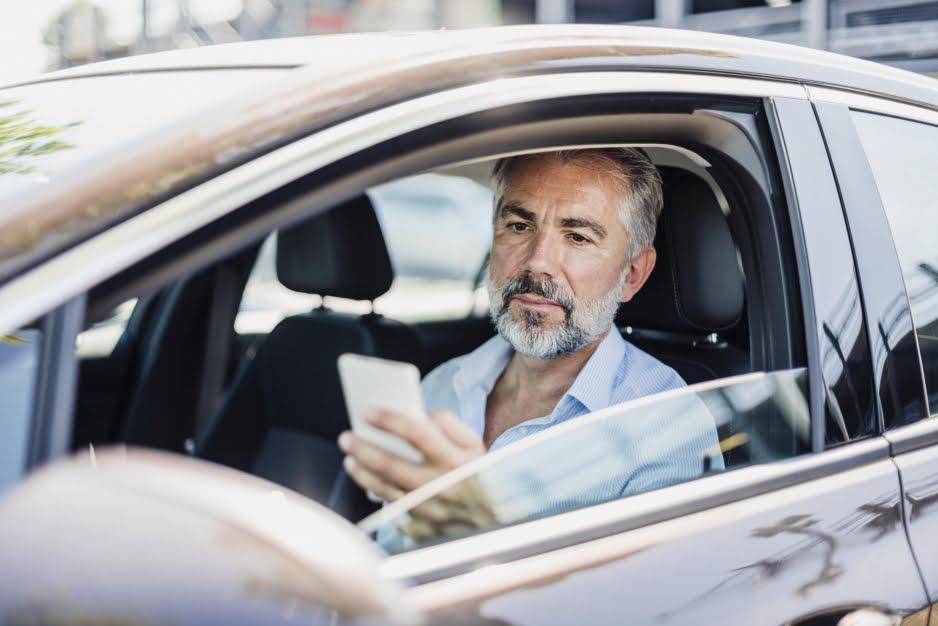 Prawo jazdy w telefonie – jak z niego korzystać?