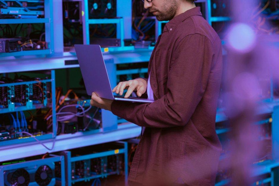 Technologia blockchain – czym jest i jakie znajduje zastosowania w biznesie?